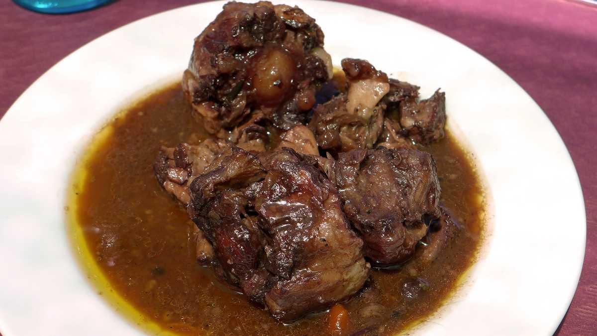 Receta de Buey guisado con salsa de albahaca