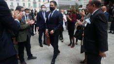 Santiago Abascal es aplaudido tras la finalización de la moción de censura. Foto: EP