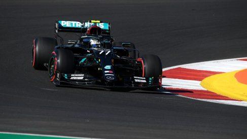 Valtteri Bottas durante el Gran Premio de Portugal. (AFP)