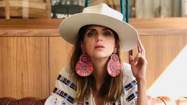 Instagram: Macarena Gómez se alarga la nariz para poder oler mejor