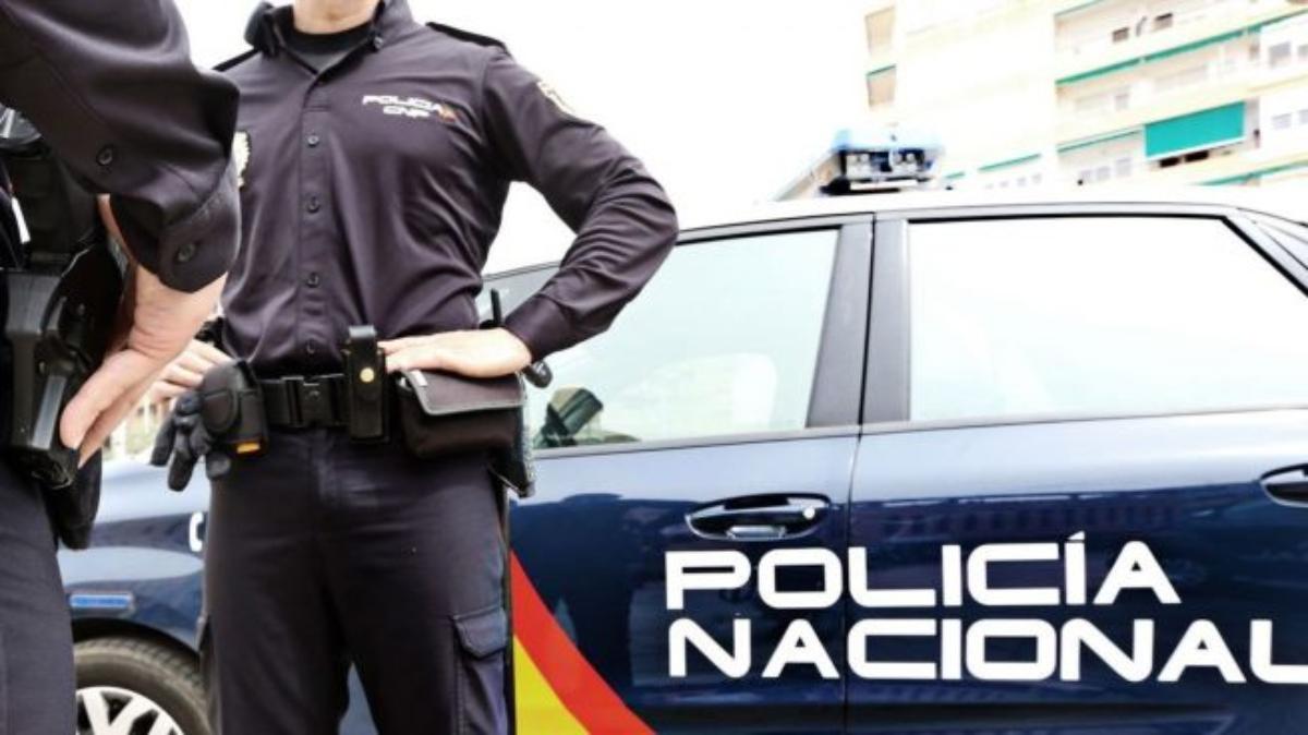 Agentes de la Policía Nacional.