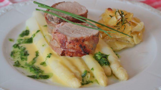 Receta de solomillo de cerdo con salsa de espárragos