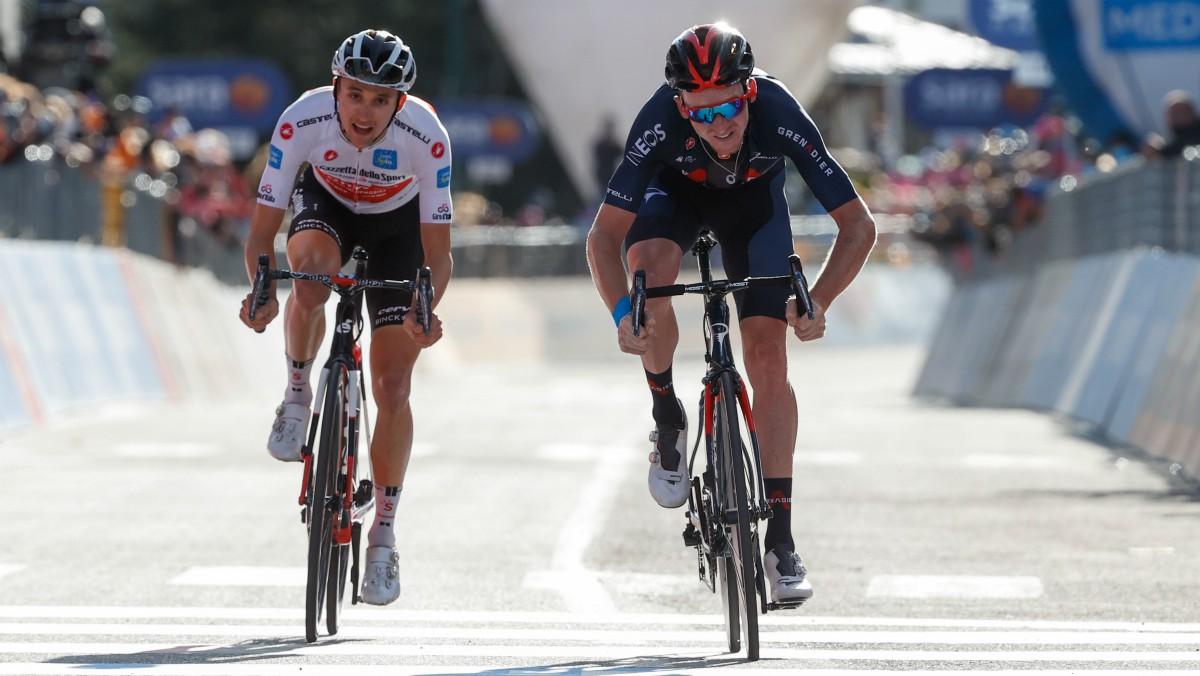 Tao se impone a Hindley al sprint. (AFP)