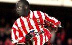 Ali Día: Así llegó a la Premier el peor jugador de fútbol de la historia