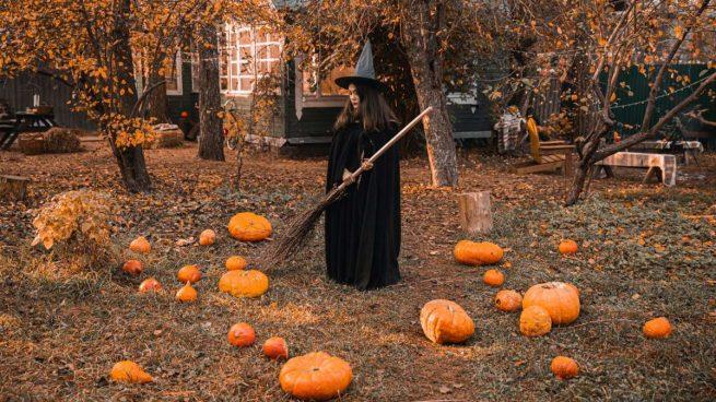 decorar el jardín en Halloween