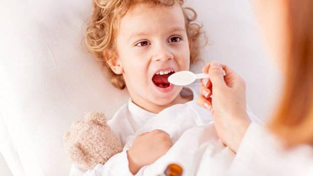 Niños, enfermedades estacionales y antibióticos: cuándo y por qué administrarlos
