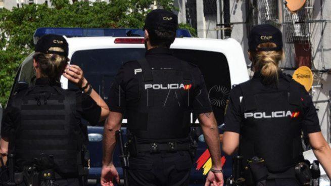 Policías Nacionales.