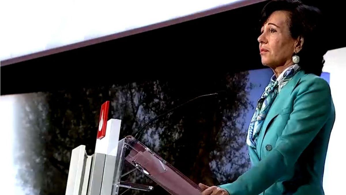 Ana Botín, en la junta de accionistas de Santander el 27 de octubre de 2020
