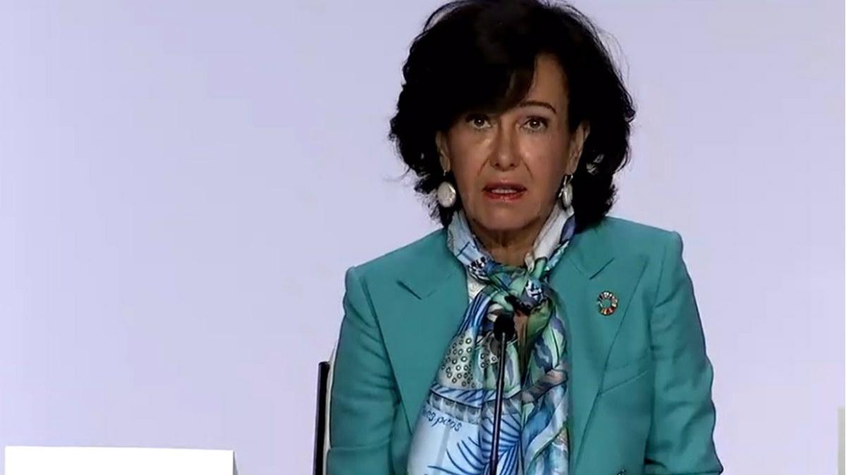 Ana Botín, presidenta de Banco Santander, durante la junta de accionistas de octubre de 2020