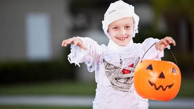 Disfraces originales de Halloween que podemos hacer a los niños con materiales reciclados