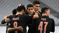 Los jugadores del City celebran el gol de Gündogan. (AFP)