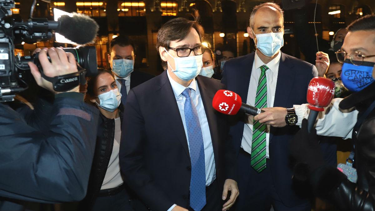 El ministro de Sanidad, Salvador Illa, llega al Casino de Madrid donde se entregan los premios Leones de 'El Español', en Madrid. (Foto: Europa Press)