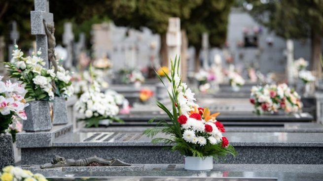 Cómo se pueden llevar las flores al cementerio con las medidas por el coronavirus