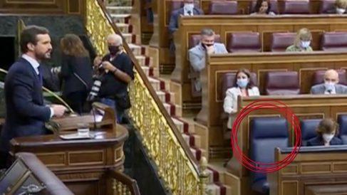 El escaño de Pedro Sánchez vacío en el debate del estado de alarma. Foto: EFE