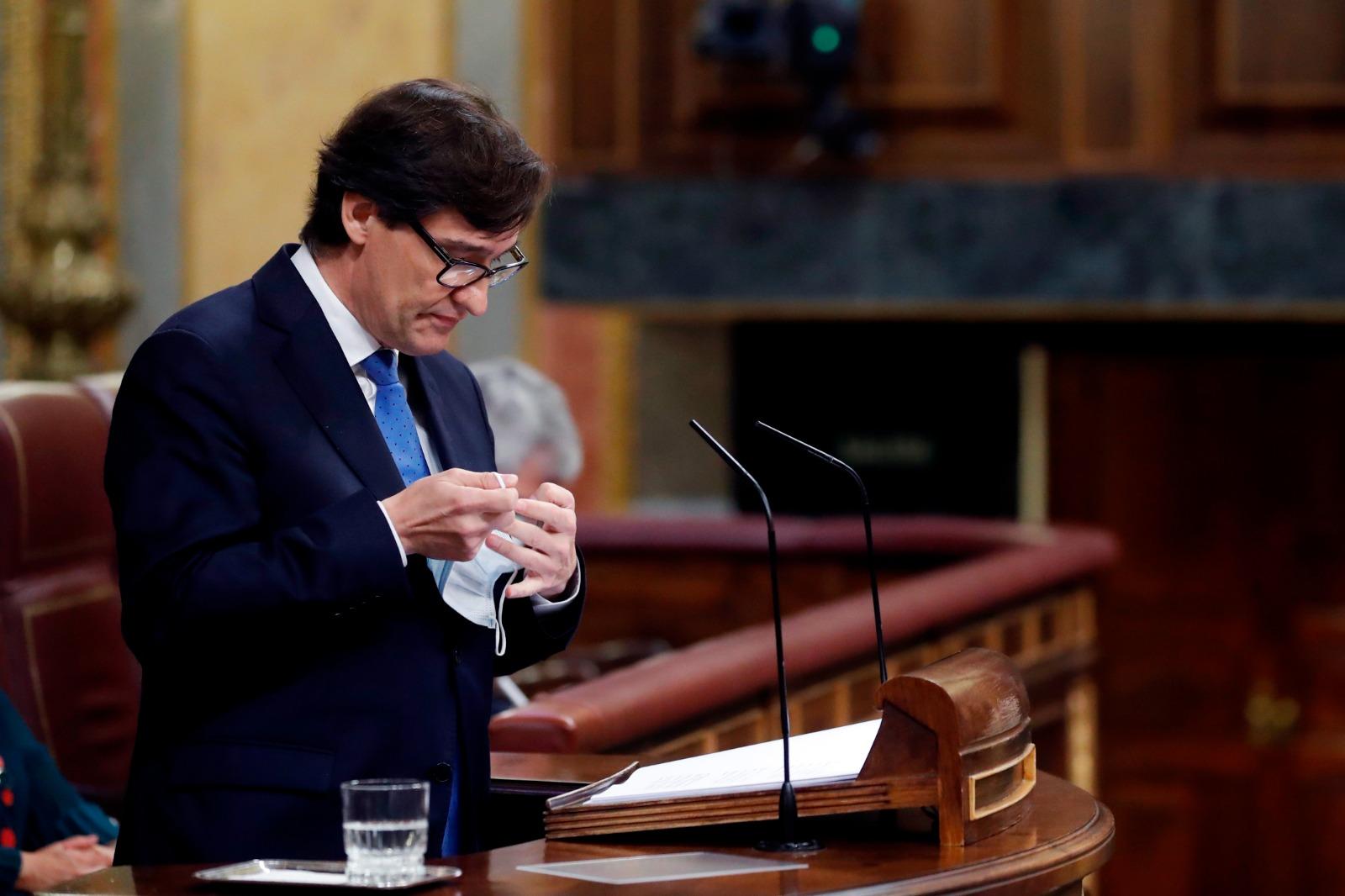 Salvador Illa, este jueves, defendiendo la prórroga del estado de alarma en el Congreso de los Diputados. Foto: EFE