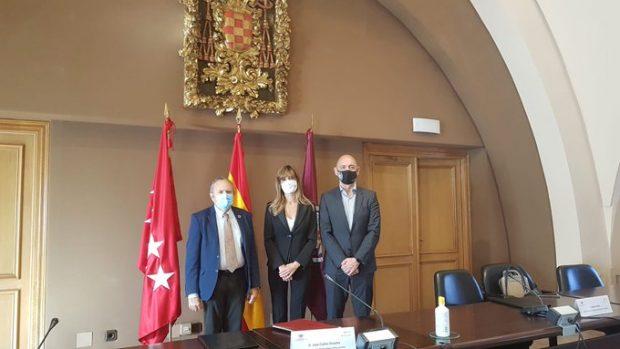 Begoña Gómez, mujer de Pedro Sánchez, presentando la nueva Cátedra.
