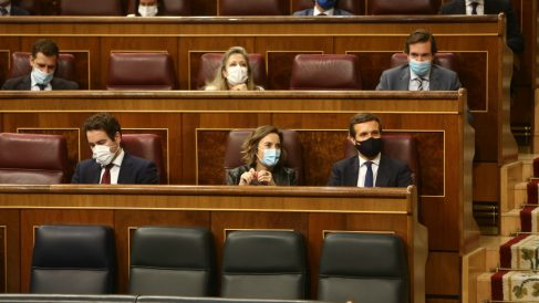 García Egea, Gamarra y Casado en el pleno de la prórroga del estado de alarma.