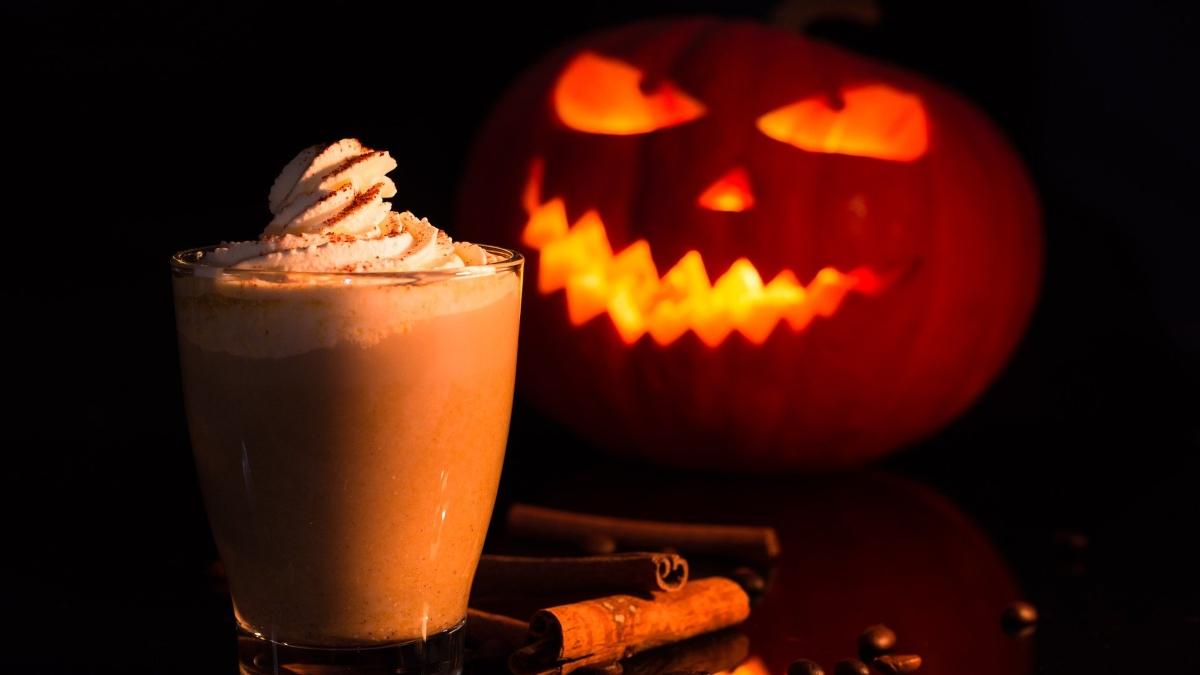 Halloween 2020: Cóctel de café de calabaza con alcohol