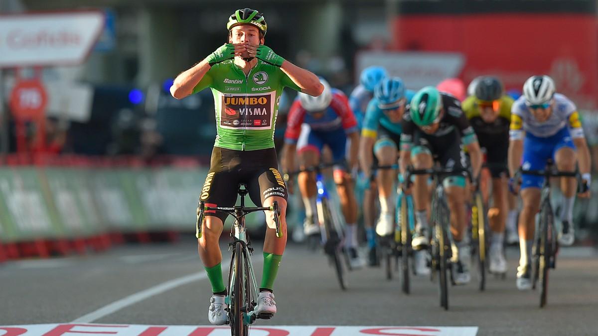 Roglic ganó en Castro Urdiales su tercera etapa. (AFP)