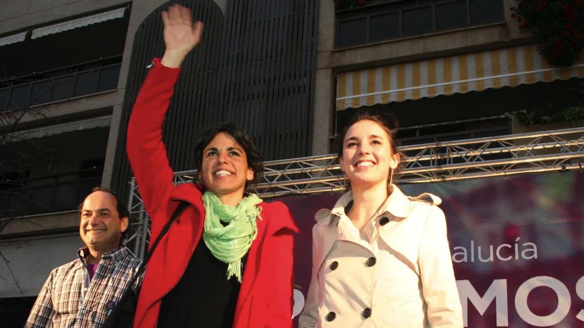 Teresa Rodríguez junto a Irene Montero en un mitin.