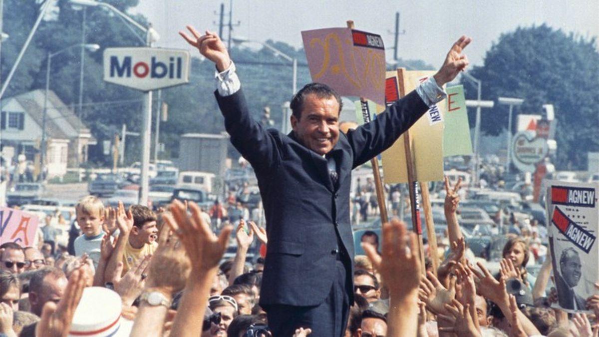 El 7 de noviembre de 1972, Richard Nixon gana su segundo mandato