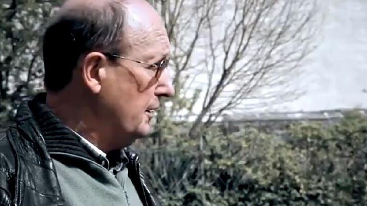 El párroco de Lemona en el documental.