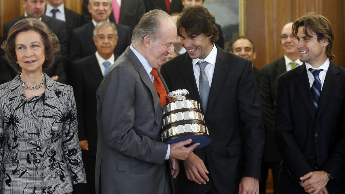 El Rey Juan Carlos, junto a Nadal. (AFP)