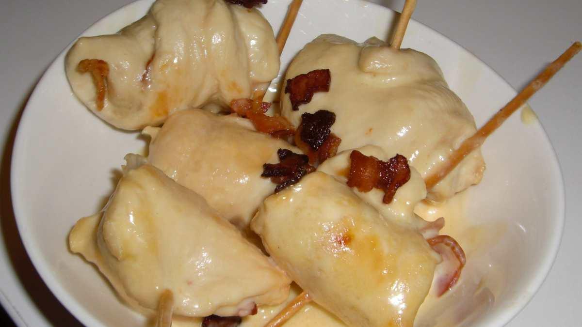Receta de rollitos de pollo con jamón, queso y frutos secos
