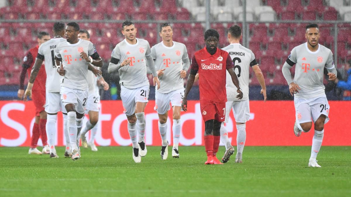 Los jugadores del Bayern, tras un gol. (AFP)