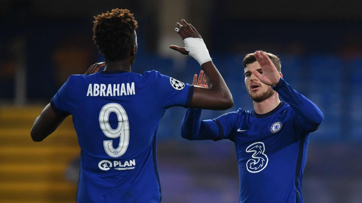 Werner y Abraham celebran un gol del Chelsea. (AFP)