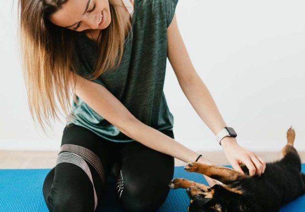 Jugando con perro