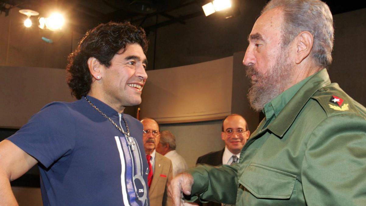 Maradona, junto a Fidel Castro.