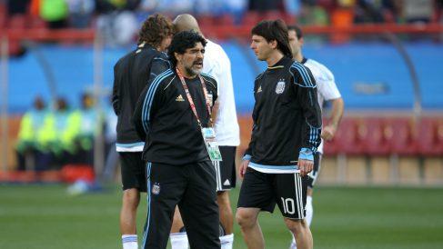 Maradona y Messi, en una imagen de archivo. (Getty)