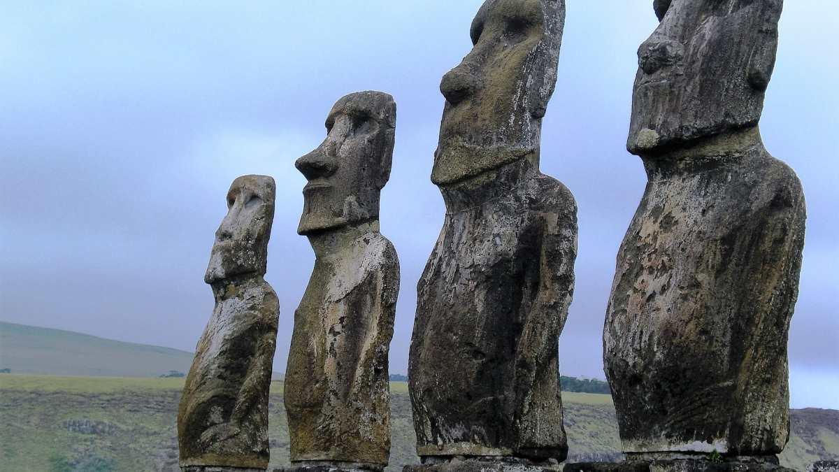 Figuras en la Isla de Pascua
