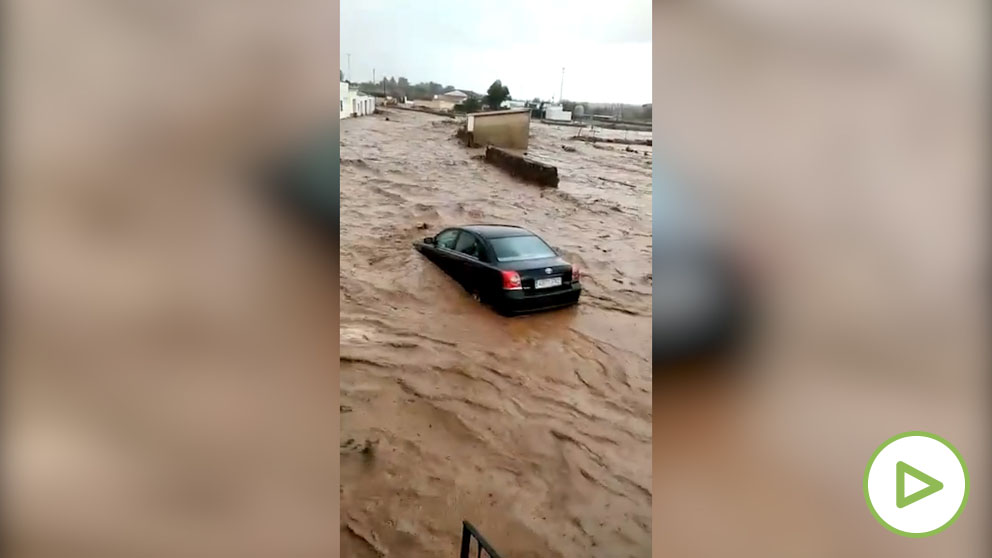 Una tormenta provoca tremendas inundaciones en Ribera del Fresno.