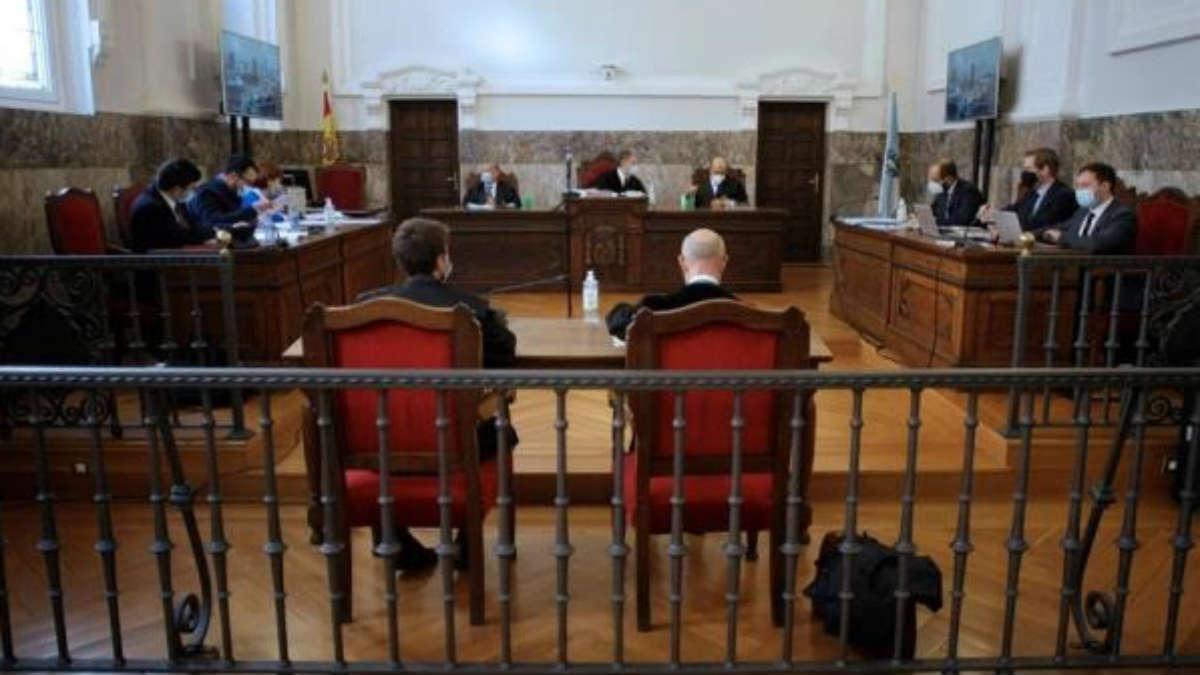 Vista por las medidas cautelares para pedir la paralización temporal del ERE en la fábrica de Alcoa en Cervo (Lugo) Europa Press
