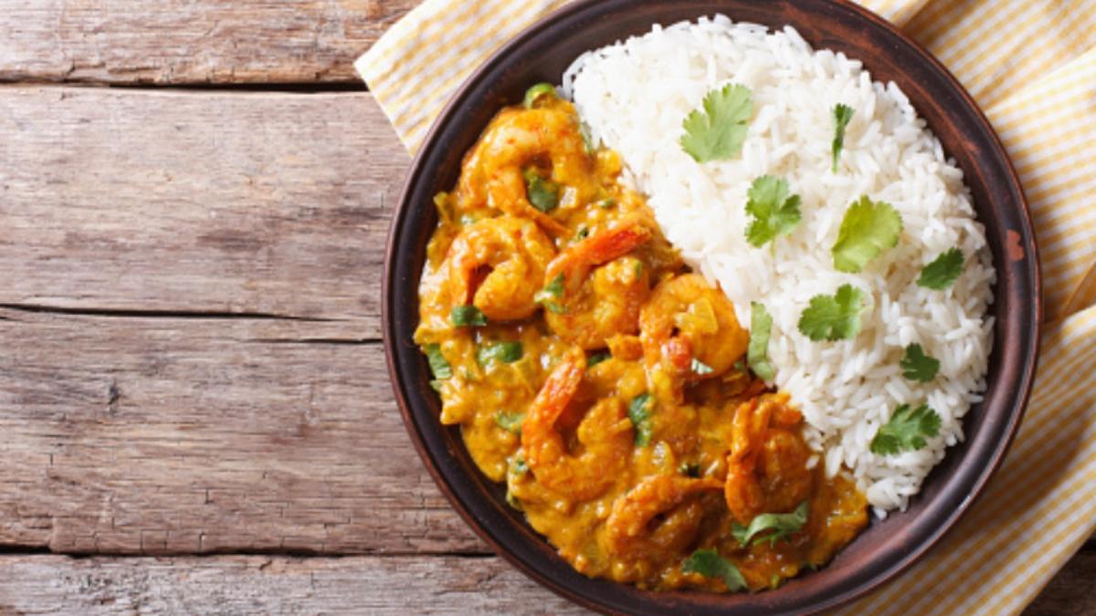 Receta de arroz rápido con curry y gambas