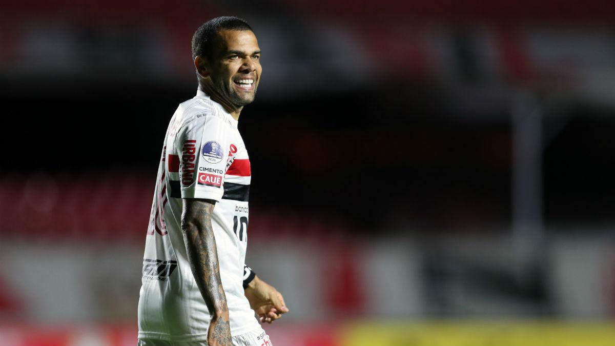Dani Alves, en un partido con el Sao Paulo. (Getty)