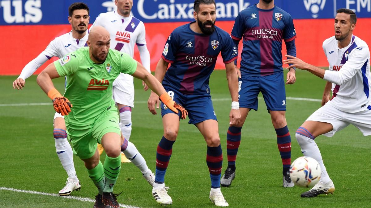 Huesca y Eibar empataron a uno. (EFE)
