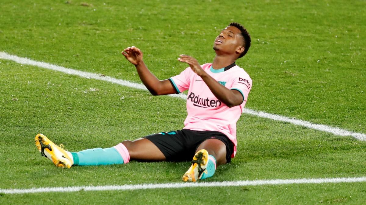 Ansu Fati durante un partido con el Barcelona. (EFE)
