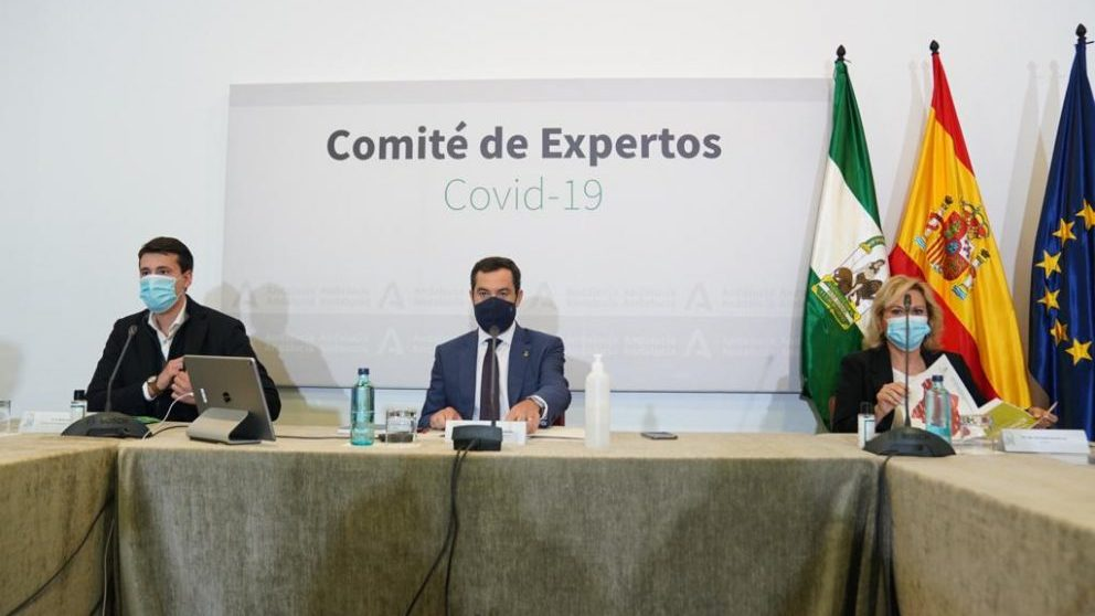 Juanma Moreno, presidente de Andalucía, durante el último comité de expertos.
