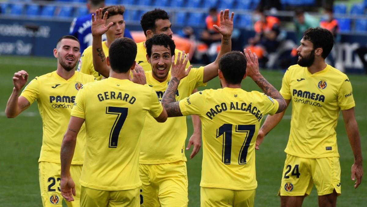 Los jugadores del Villarreal celebran un gol. (EFE)