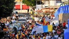 Manifestación en Arguineguín para reclamar el cierre del campamento de migrantes en el muelle. Foto: EP