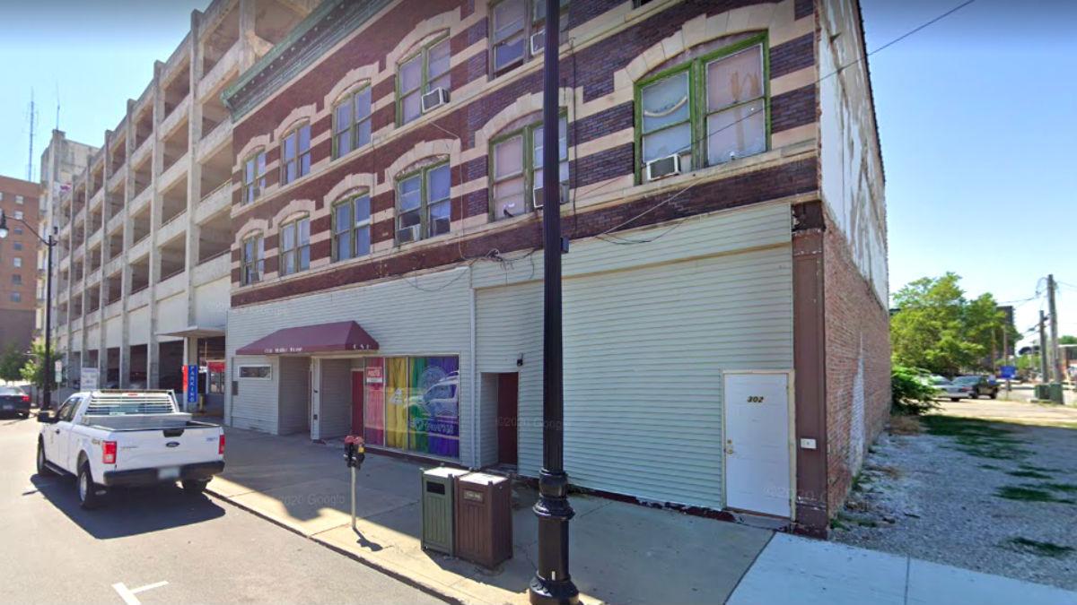 El hotel 'fantasma' promovido por Martín Jerónimo Hernández se alzaría sobre los terrenos en los que hoy se encuentra un conocido bar de ambiente gay de Springfield (Illinois), el Club Station House.