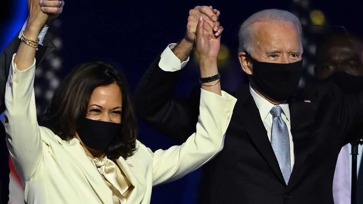 Kamala Harris y Joe Biden celebrando su victoria en las elecciones de Estados Unidos. Foto: AFP