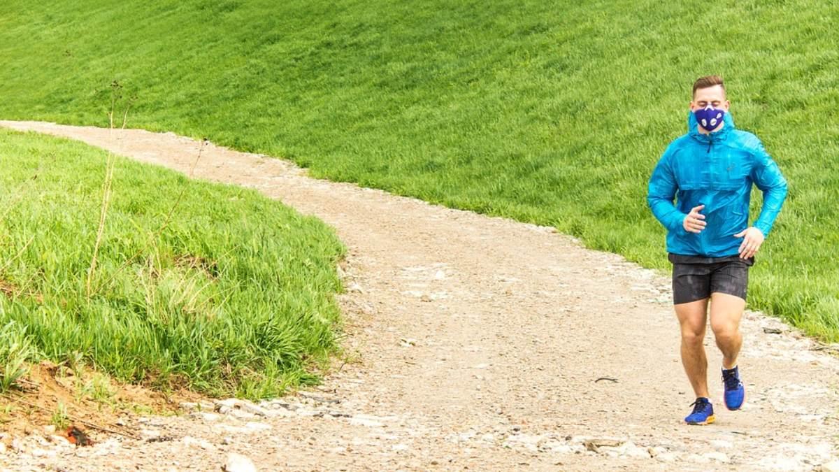 Las mascarillas no reducen los niveles de oxígeno cuando practicamos deporte, según un estudio