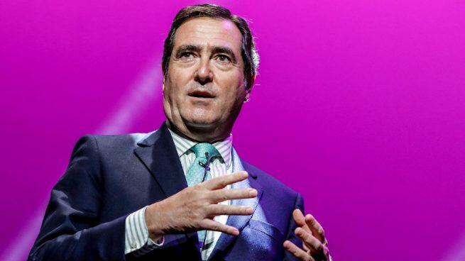 El presidente de CEOE, Antonio Garamendi, dice que «en el mundo de la empresa no está el Covid»