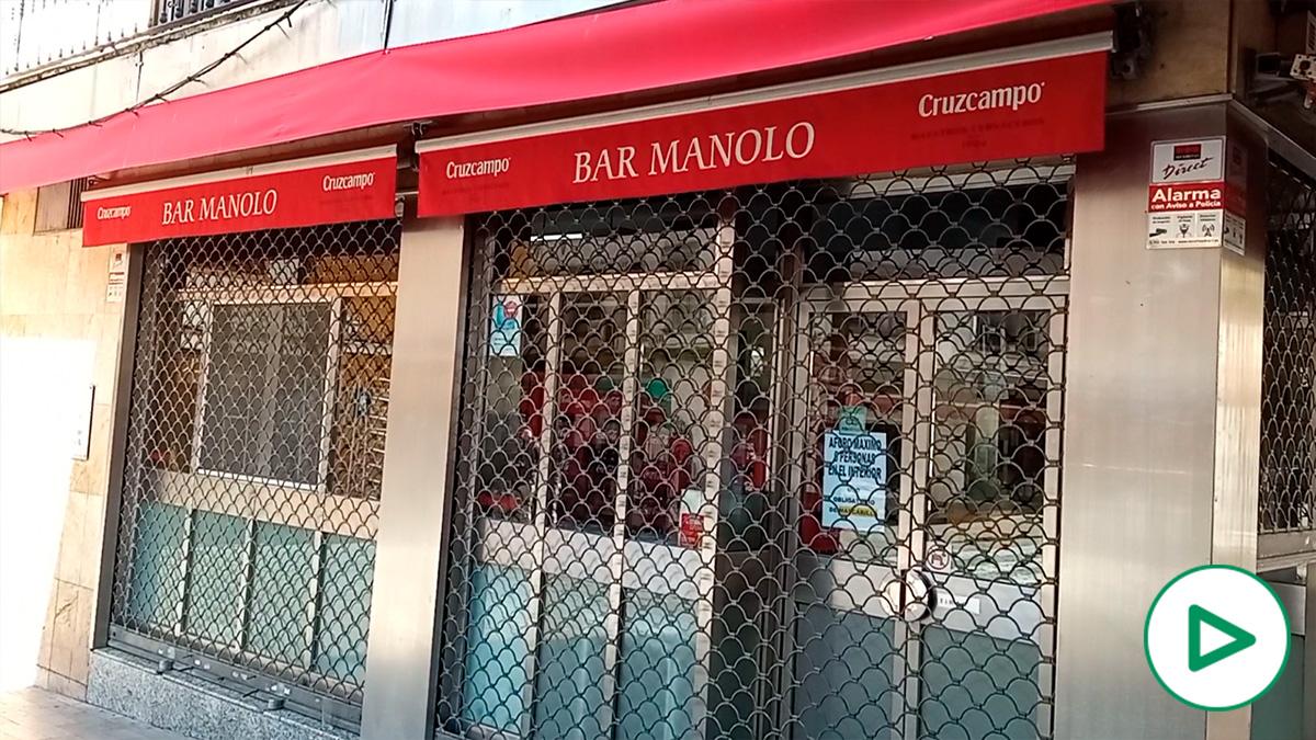 El bar Manolo, en Sevilla, echa el cierre 85 años después.