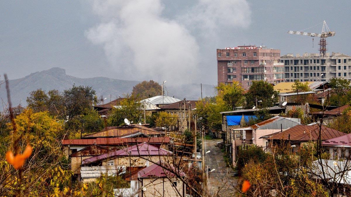 Humo en el Nagorno Karabaj (Foto: AFP)