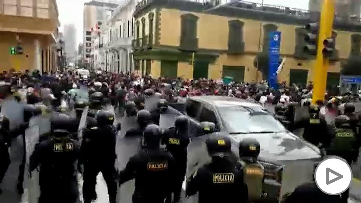 Graves protestas en Lima.